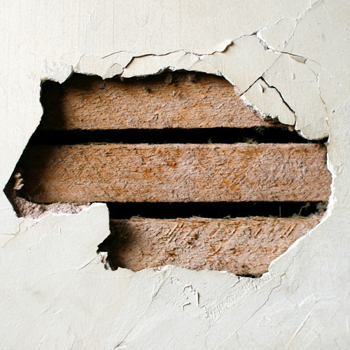 Reparación de paredes para orificios grandes